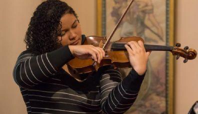 Violinista cuiabana está de malas prontas para mestrado nos Estados Unidos