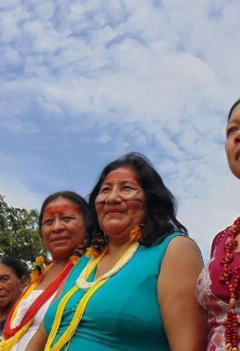 Mulheres Kurâ-Bakairi empreendem projeto de moda indígena