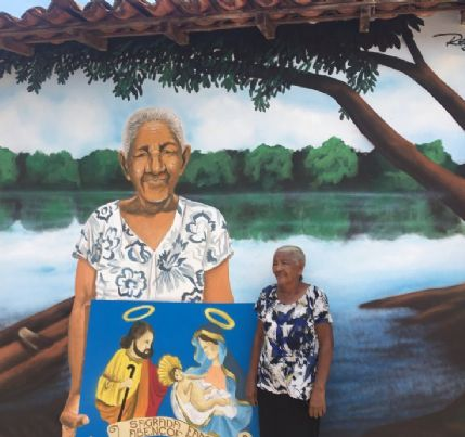 Moradoras viram obra de arte em homenagem aos 240 anos de Poconé