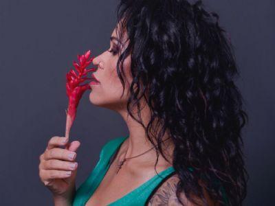 Mariana Borealis disponibiliza álbum autoral nas plataformas digitais