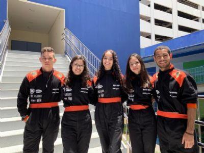 Equipe jovem de F1 constrói carro e compete para ir à Dubai