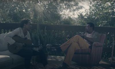 Realidade virtual une Seu Jorge e Rogê em clipe de 'Pra Você Amigo' 