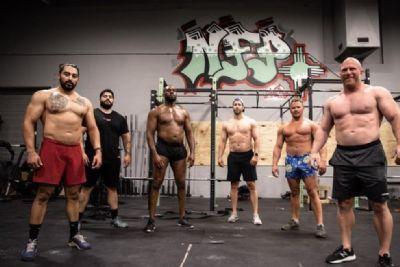Jon Jones volta a impressionar pela transformação corporal visando o peso-pesado do UFC