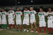 Estádio Dito Souza é inaugurado com direito a embaixadinhas de Edilson e gol de falta de Marcelinho Carioca