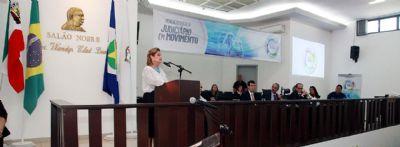 Presidente anuncia Vara Especializada em Saúde e avanço na política de adoção