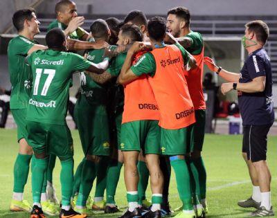 De virada, Dourado vence o CSA e assume a vice-liderança do Brasileirão - Série B