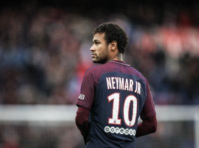 Neymar é cortado de estreia do PSG no Francês para definir futuro