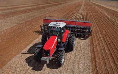Produção de máquinas agrícolas cresce em outubro