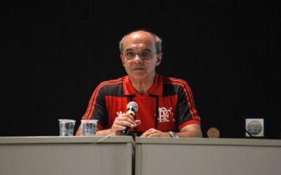 Ex-presidente do Flamengo é indiciado por homicídio em incêndio que matou 10 no CT