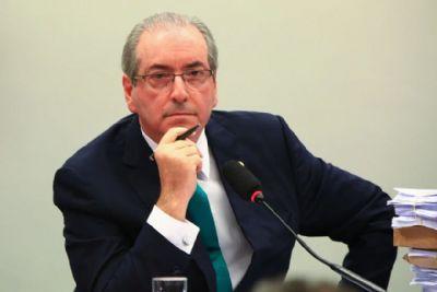 Em liberdade após ter prisão domiciliar revogada, Eduardo Cunha volta às redes