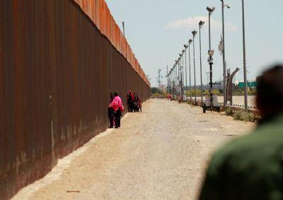 Trump ameaça México com tarifas por imigração, diz jornal