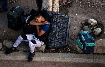 EUA prendem maior número mensal de imigrantes ilegais na fronteira em 13 anos