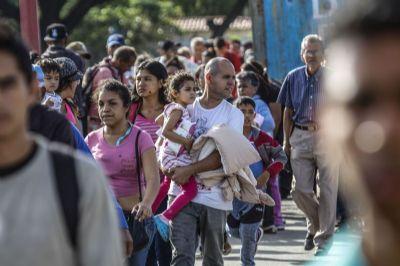 Venezuelanos concentram pedidos de asilo ao Peru, revela ONU