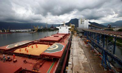 Embarques de soja nos silos públicos dos Portos do Paraná batem recorde