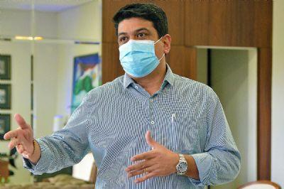 Kalil reconhece que doses extras eram para MT e defende vacinas para 141 cidades