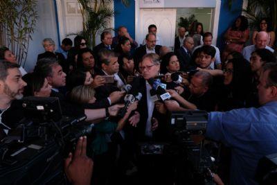 'Já foram adiantados 30 meses de indenização para pagar salários atrasados dos servidores da Santa Casa'