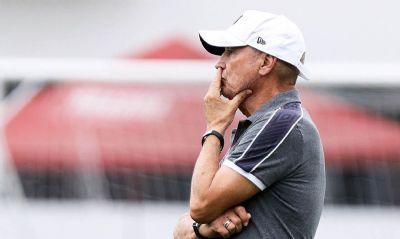 Santos anuncia demissão de português Jesualdo Ferreira