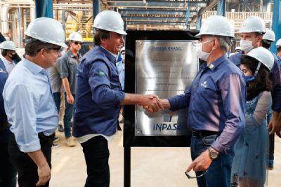 Bolsonaro visita indústria de etanol de milho em Sinop