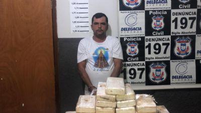 Motorista é preso em flagrante com cerca de 40 tabletes de cocaína em MT