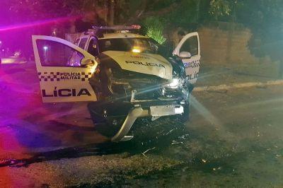 Acidente com viatura da PM deixa três pessoas feridas em Cuiabá; vídeo