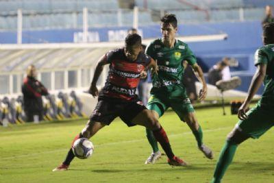 Cuiabá sai na frente, mas sofre empate do Oeste e desperdiça chance de assumir a liderança
