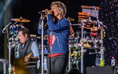 Bon Jovi recebe título honorário de doutor em música nos EUA