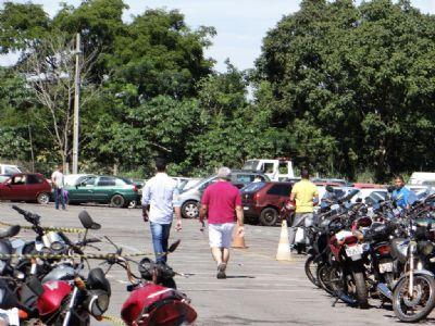 Detran-MT abre visitação aos 1.217 veículos do último leilão do ano