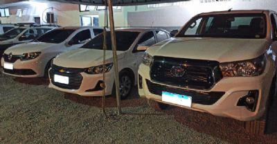 PM recupera três veículos roubados em residência no Araés