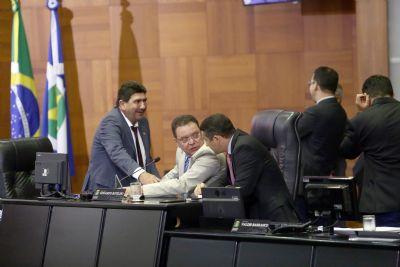 Botelho anuncia 11 casos de covid-19 na Assembleia e fala em medidas enérgicas