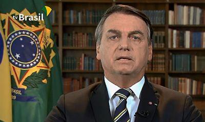 Em live, Bolsonaro pede voto para coronel mas cita 'mais dois bons candidatos'