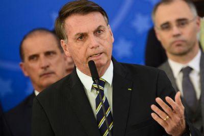 Bolsonaro pede que governo vete projeto que aumenta salários
