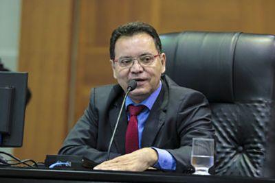 Botelho diz que não há provas em denúncias de Emanuel