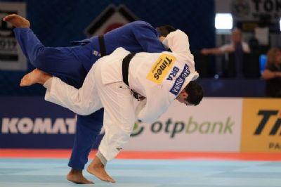 David Moura é imobilizado por holandês na repescagem, e perde chance de disputar medalha no Mundial de Judô de Tóquio