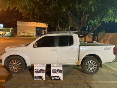 PM apreende três adolescentes e recupera caminhonete roubada