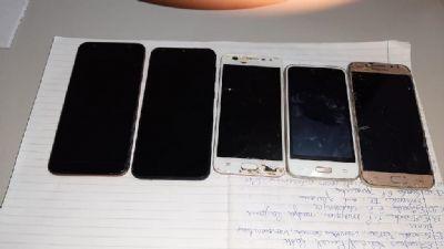 Cinco celulares são apreendidos na Penitenciária Feminina em Cuiabá