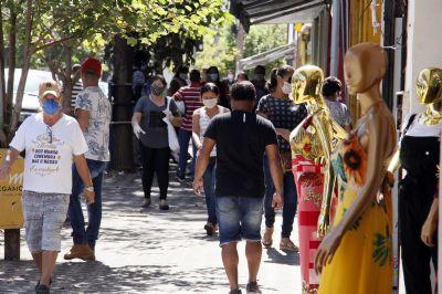 Cuiabá amplia horário de funcionamento do comércio e prorroga a suspensão das aulas presenciais