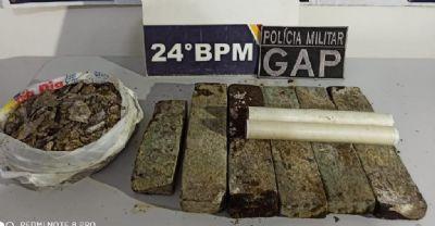 Suspeitos correm ao ver viatura e PM encontra tabletes de maconha em residência