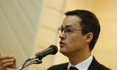 Conselho do MP pune Dallagnol com censura por posts contra Calheiros