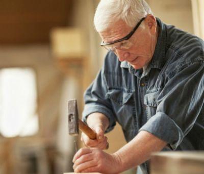 Comissão aprova PL que prevê proteção do idoso que se mantém no mercado de trabalho