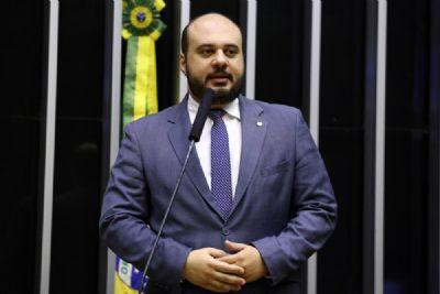 Deputado diz que vai estudar antes de comentar declarações de Bolsonaro