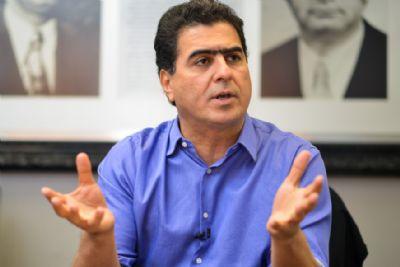 'Mendes só fala, mas até hoje não ajudou no HMC', diz prefeito