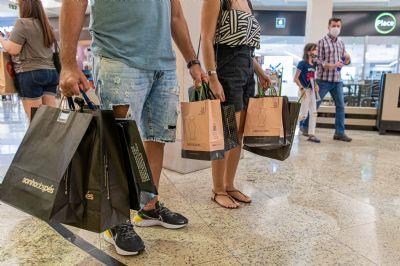 Vendas superam expectativas dos lojistas em shopping de Cuiabá