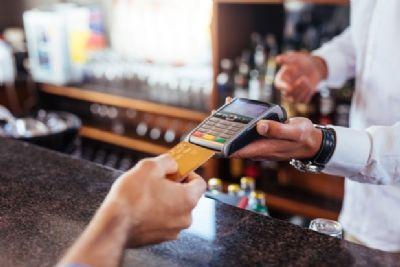 Negligência de cliente com cartão afasta dever de indenizar de banco