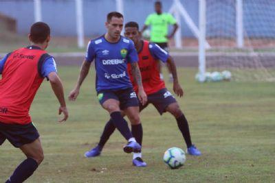 Com time alternativo e Schulle à beira do campo, Cuiabá inicia confronto diante do Costa Rica-MS pelas quartas de final da Copa Verde