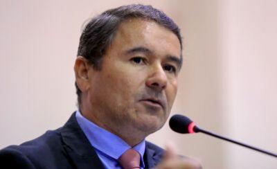Ministro confirma pavimentação de BR-158 e autoriza estudo de viabilidade para BR-242