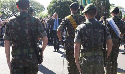 Em discurso, Bolsonaro cita possibilidade de novas trocas de comando