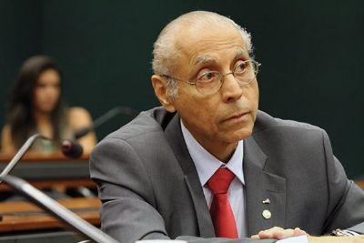 Juíza bloqueia R$ 173 mil de Júlio Campos e aguarda apresentação de acordo