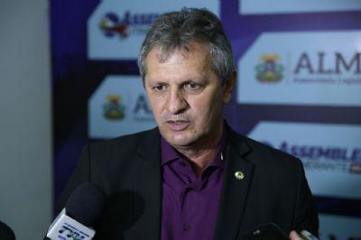 Líder do governo concorda com VI para secretários, mas nega existência do projeto
