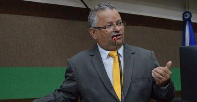 Misael diz que mais servidores serão exonerados da Câmara