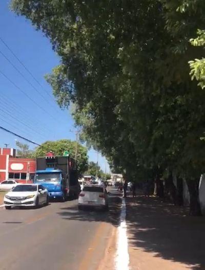 Empresários de VG protestam pela abertura do comércio